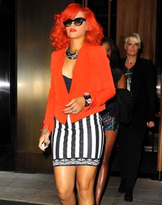 rihanna in red via urbanislandz